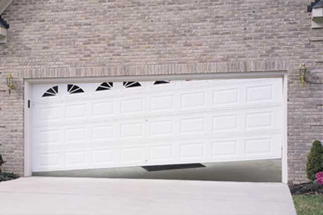 garagedoor off track - Garage Door Off Track